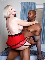 60 Plus MILFs - Lola Lee Goes Black - Lola Lee (51 Photos)